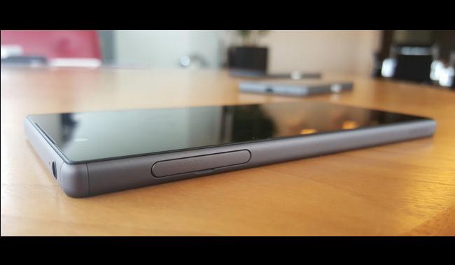 новый Sony Xperia Z5