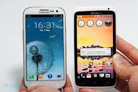Samsung Galaxy S III сравнительно с HTC One X