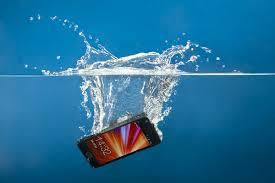 Что делать если ваш HTC ONE упал в воду или вы его утопили случайно?