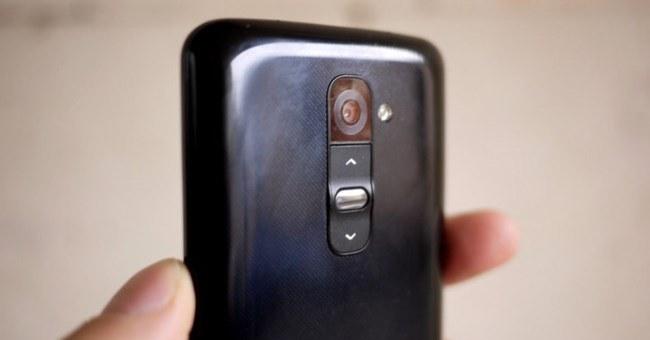 LG G2 вид сзади