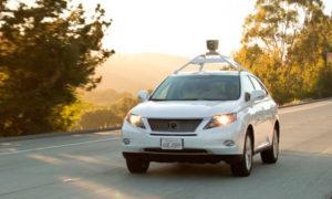 Машина с электронным водителем фото