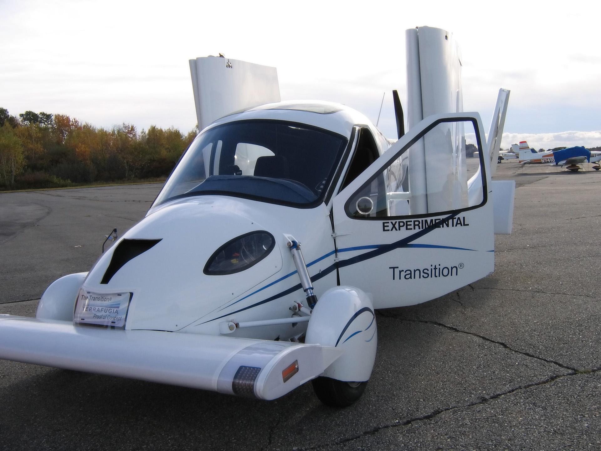 Автомобиль Terrafugia Transition
